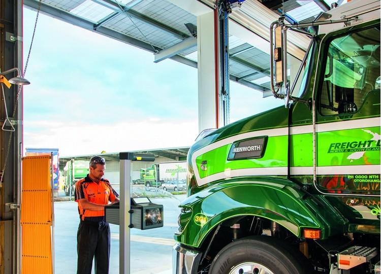 MLT_3000_Southpac_Truck-750x1000-750x540